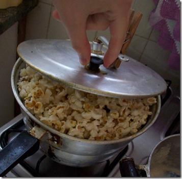 Como fazer pipocas na panela